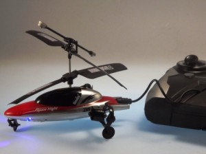 Aufladung des Hubschraubers über die Fernsteuerung