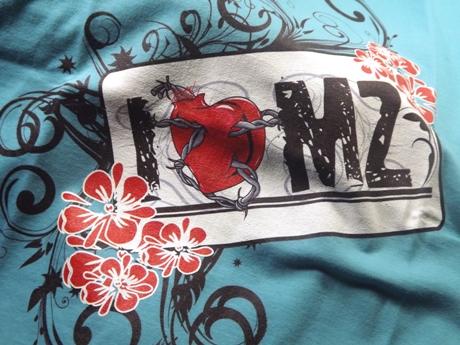 Nicht vergessen ein cooles Shirt für die Frau bedrucken zu lassen