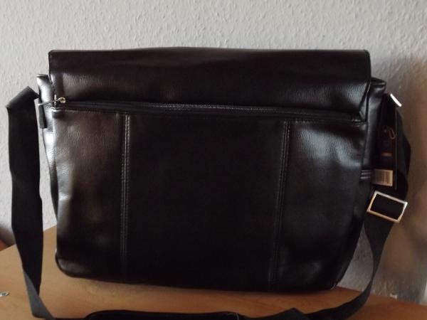 Frauen lieben Taschen – Männer brauchen sie