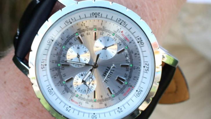 Die Armbanduhr – Die Handtasche des Mannes