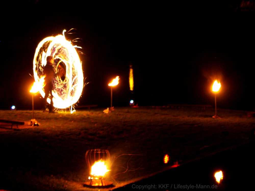 Feuerartist Stephan Droese bei Feuershow in Demmin